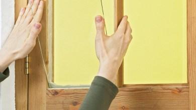 صورة الخل وزيت الزيتون لتلميف النوافذ الخشبية