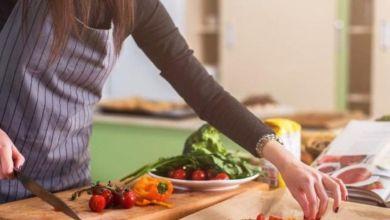 صورة أطعمة تسبب مشاكل صحية خطيرة للنساء بعد سن الأربعين
