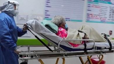 """صورة عمرها 104 أعوام.. شفاء معمرة من فيروس """"كورونا"""" للمرة الثانية"""