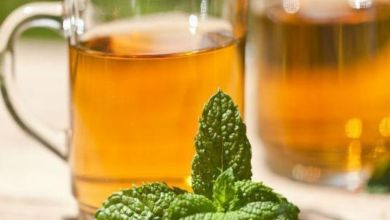 صورة بين الافطار والسحور.. تعرفي على فوائد شرب الشاي الأخضر