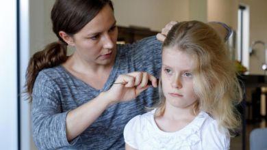 صورة تعرفي على أسباب تساقط الشعر عند طفل