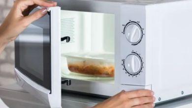 صورة تجنب هذا الخطأ عند استخدام الميكرويف لتسخين طعامك