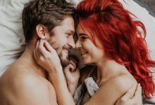 صورة منها المداعبة الزوجية.. أساليب تخفف من ألم الدورة الشهرية