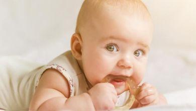 صورة نصائح تساعد على ظهور الأسنان عند الأطفال