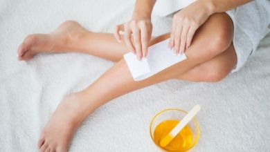 صورة علاج الشعر المدفون تحت الجلد في المنزل