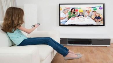 صورة مشاهدة التلفاز بكثرة يؤثر على نمو الطفل