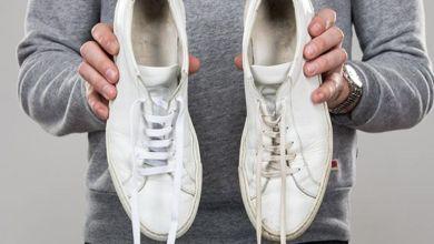 صورة حيل للحفاظ على نظافة الحذاء الرياضي الأبيض.. جربوها!