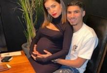 صورة أشرف حكيمي يفاجئ جمهوره مع زوجته التونسية -صور