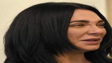 صورة مؤثر.. سلاف فواخرجي تذرف الدموع في عزاء والدها -فيديو