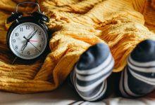 صورة هل ارتداء الجوارب خلال النوم مفيد أو مضرّ لصحّتكم؟