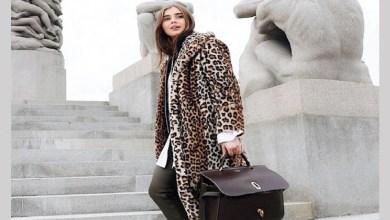 صورة لإطلالة أنيقة خلال فصل الشتاء.. موديلات معاطف جديدة من جلد النمر-صور-