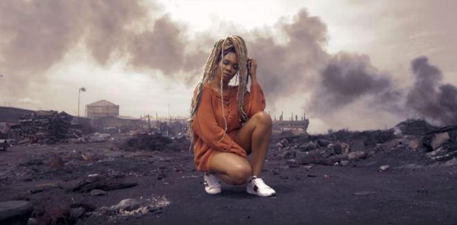 Enam in Manna music video