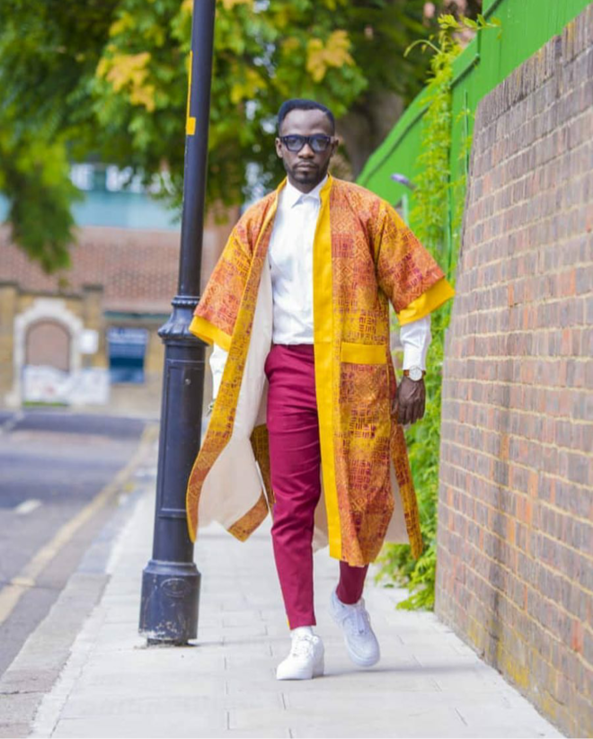 Okyeame Kwame was dapper and slayed in this kimono over shirt and pants