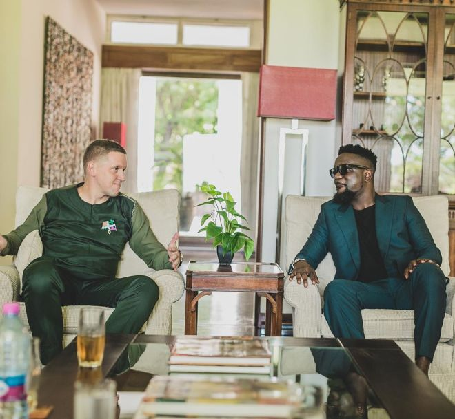 Sarkodie with Iain Walker