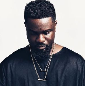 Ghanaians descend on Sarkodie over his Twitter rants about African survival