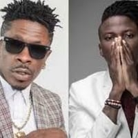 Shatta Wale fights Stonebwoy on stage over his awards