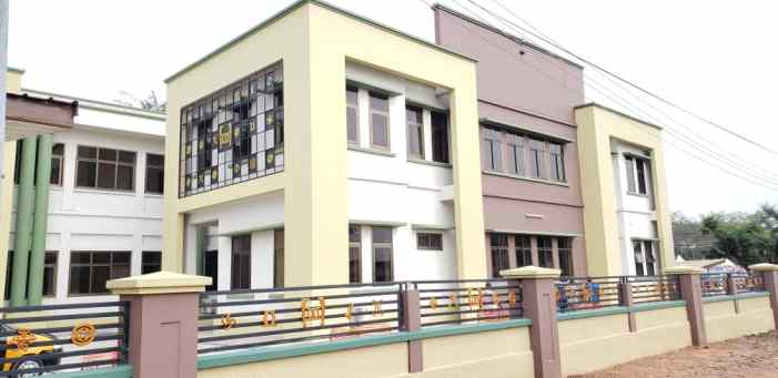 Massive facelift on Nat'l House of Chiefs building in Kumasi