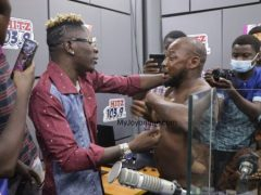'Trotro' driver drop passengers just to meet Shatta Wale [Video]