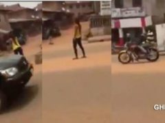 WATCH VIDEO: Young lady goes mad shortly after she was dropped from a car
