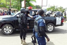 Police arrest 2 armed robbers shoot 3 to dead