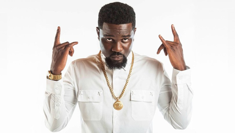 Giving Up Is Not An Option , Stay Focused On Your Goals - Sarkodie Advises Fans
