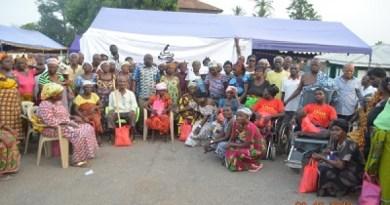 Sucryza Distributors supports the aged in Agomeda township