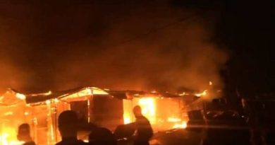 Huge blaze destroys shops at Bekwai