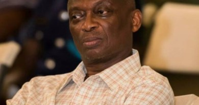 Kweku Baako 'expose' holes in his brain