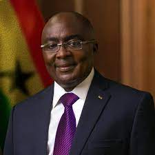 Bawumia deserves plaudits for digitising Lands Commission – Chairman