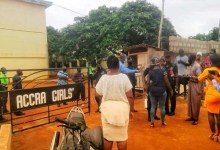 Photo of Heavy police presence at Accra Girls as parents storm there once again for their kids – VIDEO