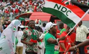 Photo of A/R: NDC supporters gather at police headquarters after arrest of 10 colleagues