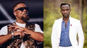 Photo of Sarkodie must do this for me before I quit rapping – Okyeame Kwame reveals