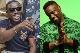 Photo of Shocking: Criss Waddle discloses what Sarkodie does with his money