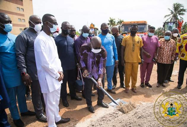 Sod-cutting of 400-Bed maternity block at Korle-Bu. Image / facebook.com/nakufoaddo