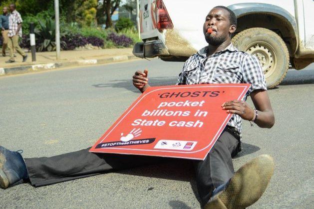 Kenyans protest over growing debt, ask IMF to stop giving Kenyan gov't loans