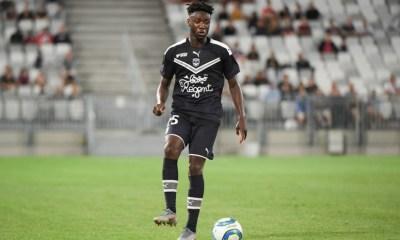 Enock Kwateng provides support for Bordeaux fans