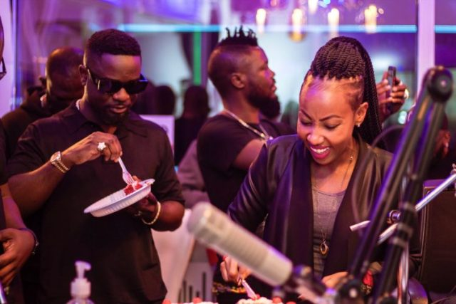 """""""Am Getting So much Love For Ghana"""", I want To Relocate to Ghana because of Sarkodie – Kenyan journalist says"""