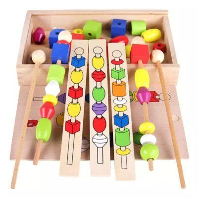 Joc Montessori din lemn cu mărgele colorate
