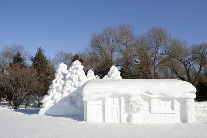 16. Домик из снега .