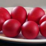 Как не нужно украшать яйца к празднику Пасхи.