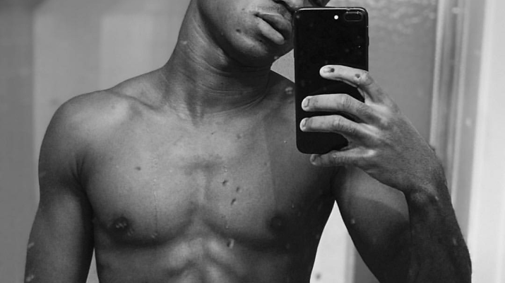 Abraham Attah Displays His Abs On Social Media And The Ladies Are Going Gaga