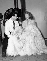 George Hurrell e Rita Hayworth negli studios della Columbia Pictures, Los Angeles, 1942 © John Kobal Foundation