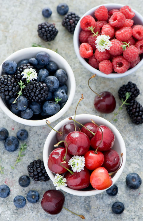 Berries stuff a lot of filling fiber into a tiny package: Just one cup of raspberries has six grams.  Watch out: Jelly is the junk food of the fruit world. It has almost no fiber and contains added sugar.