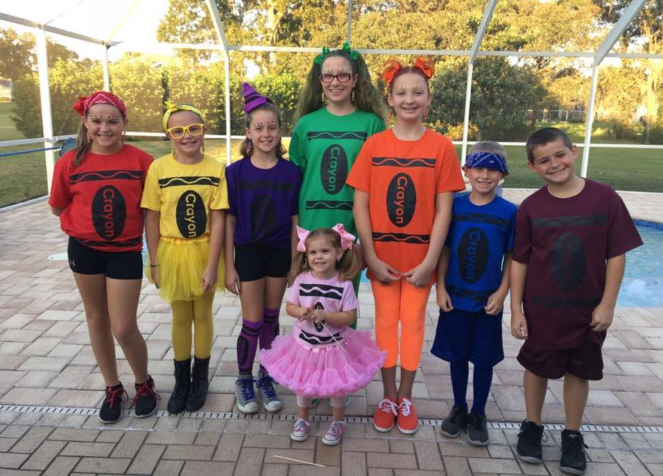 15 Group Halloween Costumes For Family