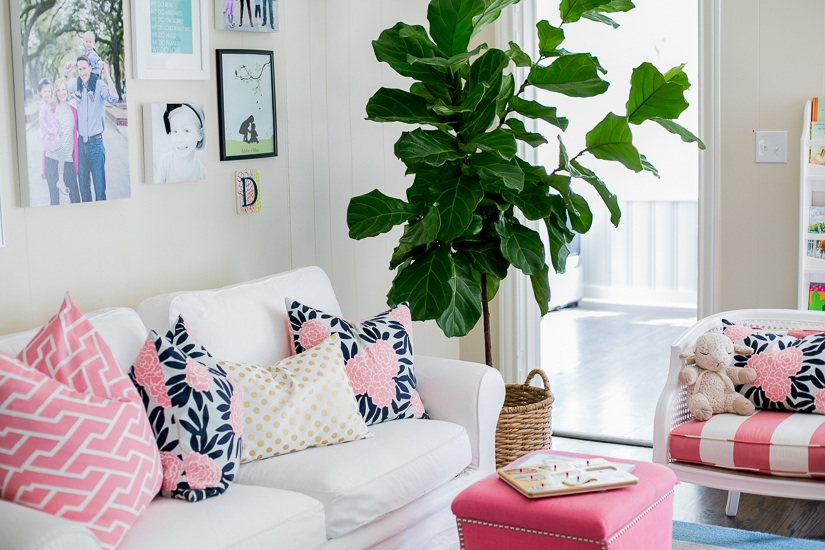 How To Decorate A White Couch