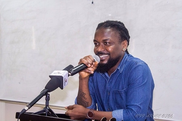 People Smoke Wee As Prescription Drugs For Their Pain – Samini backs wee smokers