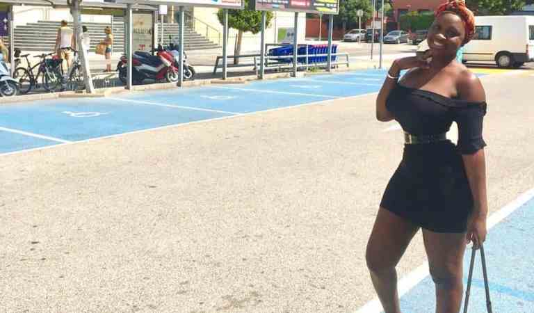 Tapoli Body On Holiday In Spain – Princess Shyngle Flaunts Her B00bs & Ass