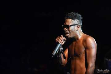 Shatta Wale Cries On Stage