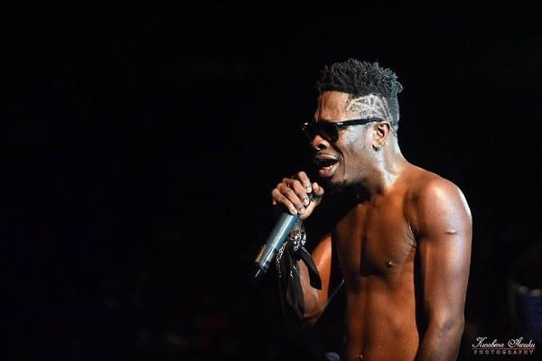 REIGN ALBUM CONCERT – Shatta Wale Runs Off Stage After Crying On Stage [+VIDEO]