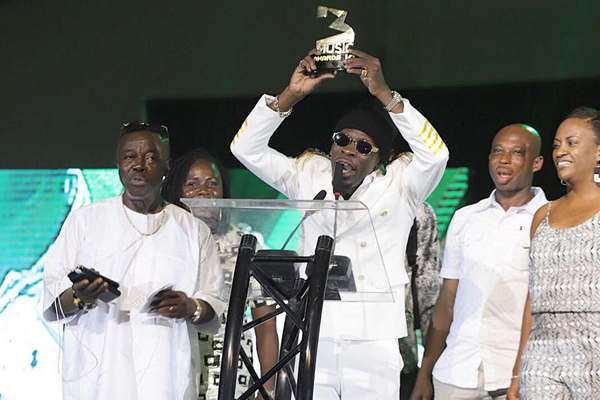 Shatta Wale wins Reggae-dancehall & High-life song at #VGMA19